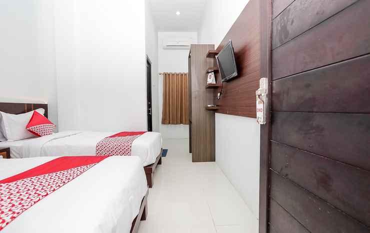 OYO 1129 Hotel Royal Palangka Raya - Deluxe Twin