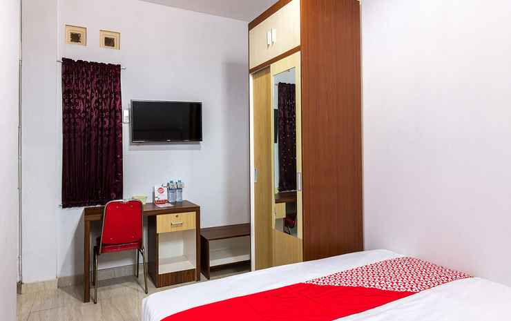 OYO 1118 Artomoro Family Guesthouse Yogyakarta - Deluxe Double
