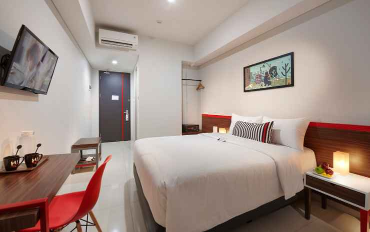 Hi Hotel Senen Jakarta - Superior Queen Room include Breakfast