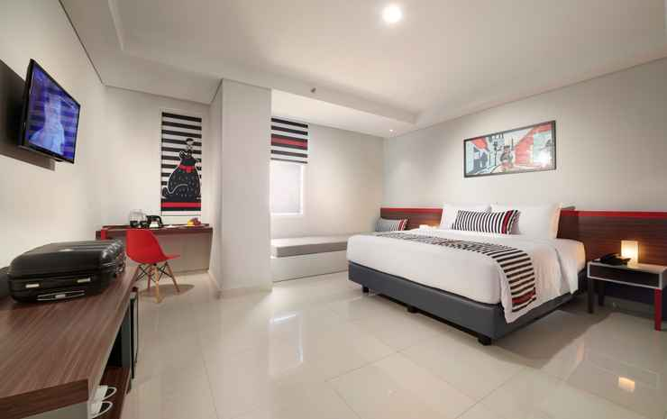 Hi Hotel Senen Jakarta - Deluxe King Room include Breakfast