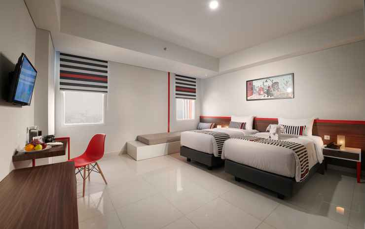 Hi Hotel Senen Jakarta - Deluxe Twin Room include Breakfast