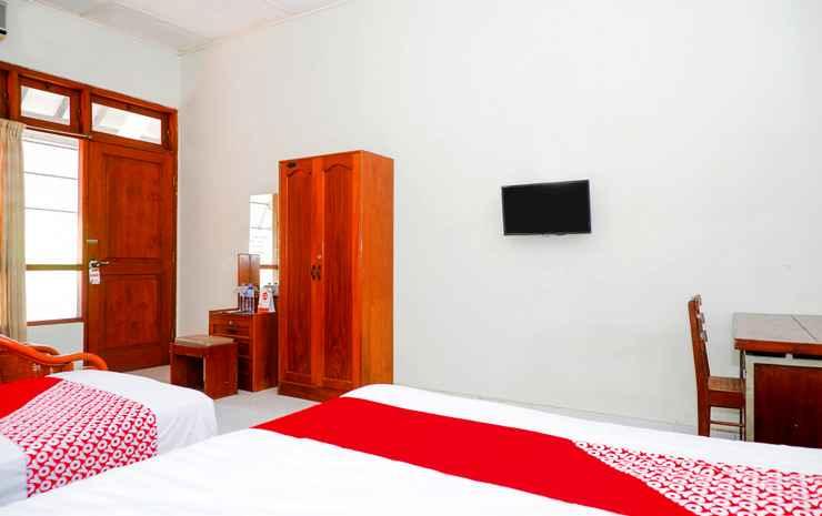 OYO 1196 Hotel Pura Puspa Rosa Yogyakarta - Suite Triple