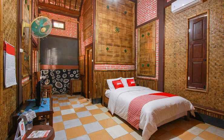 OYO 1725 Banyu Asem Residence Banyuwangi - Deluxe Double