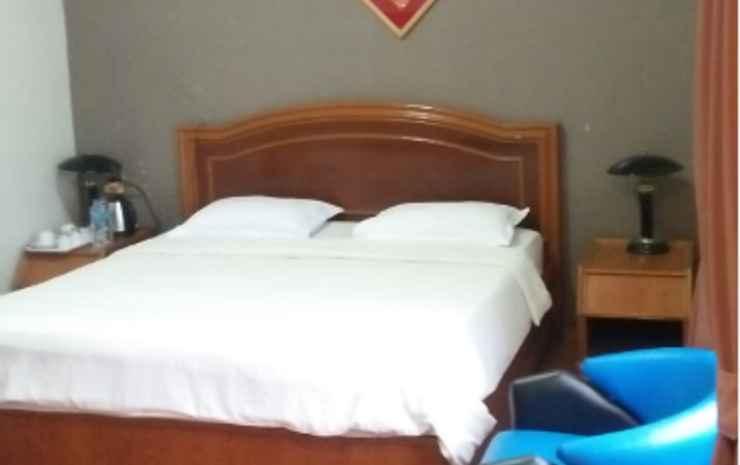 Hotel Femina Padang - Deluxe Room