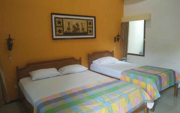 Enny's Guest House Malang - Superior Triple
