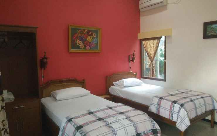 Enny's Guest House Malang - Superior