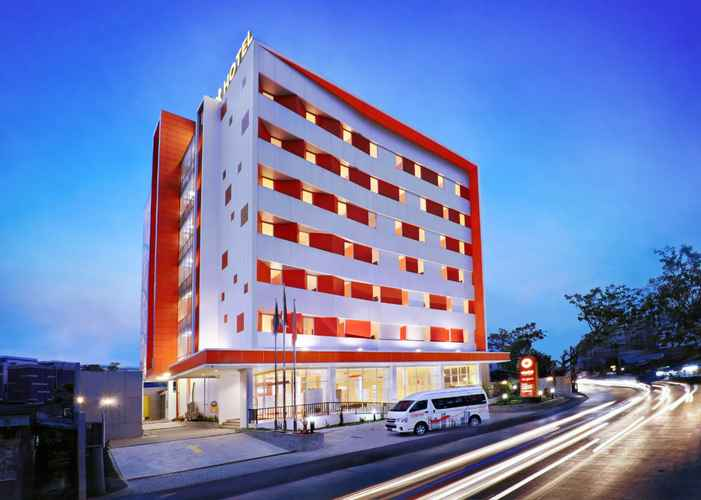 EXTERIOR_BUILDING Starlet Hotel Jakarta Airport