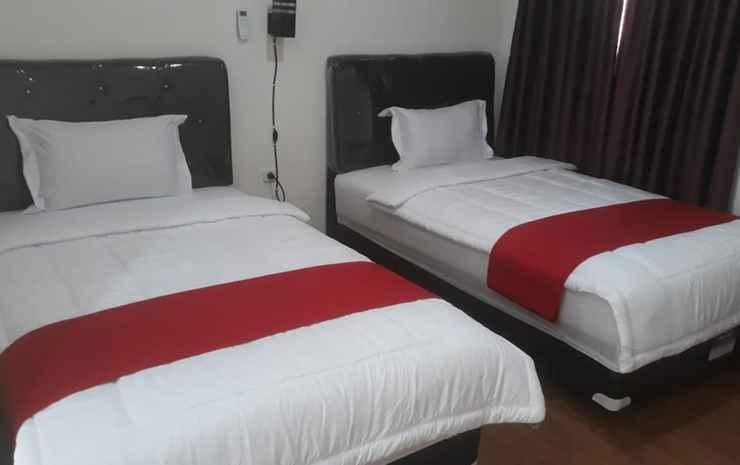 Hotel Lestari Mamuju Mamuju - Deluxe Twin Bed