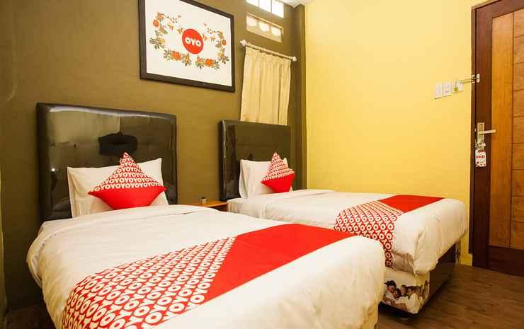 OYO 1052 Sentosa Jaya Guest House Syariah Medan - Standard Twin