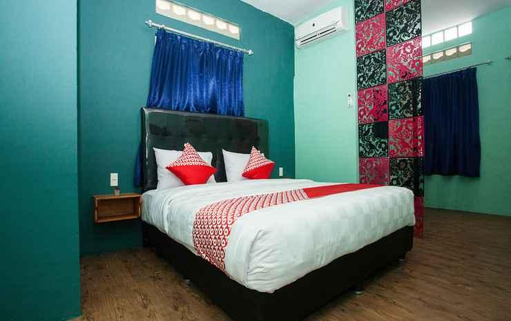 OYO 1052 Sentosa Jaya Guest House Syariah Medan - Deluxe Double