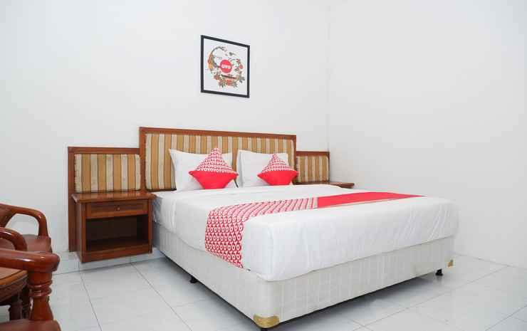 OYO 1136 Hotel Surya Solo Solo - Deluxe Double