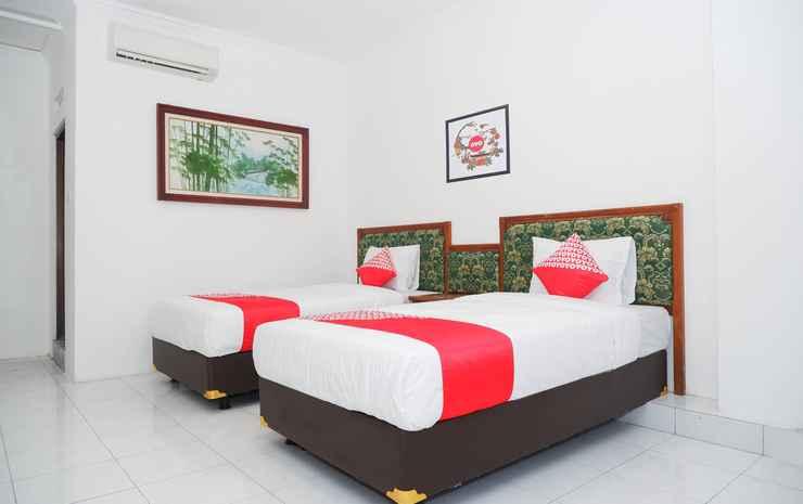 OYO 1136 Hotel Surya Solo Solo - Deluxe Twin