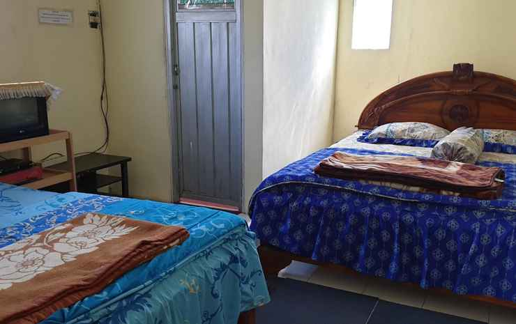 Homestay Dwarawati  Wonosobo - Twin Bed (Private Bathroom)