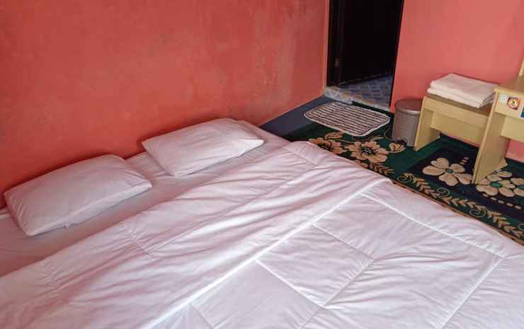 Homestay Bougenville Dieng Wonosobo - Twin King Bed