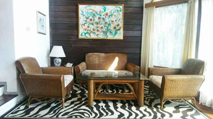 LOBBY Villa Empat Klub Bunga Butik Resort Batu