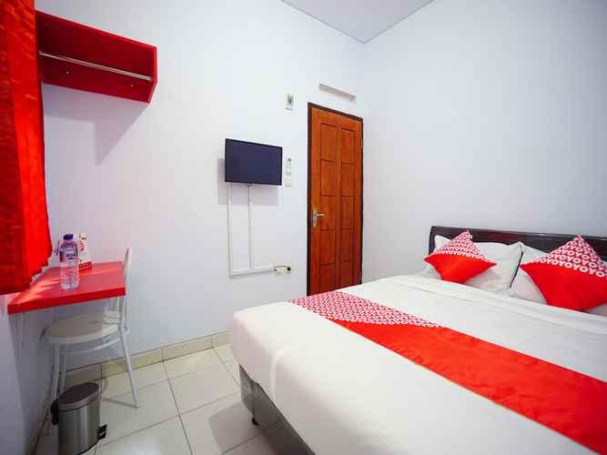 BEDROOM OYO 1064 Manado Airport Residence