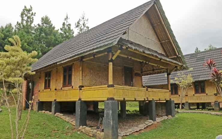 The Paseban, Kampung Budaya Sunda Bogor - Saung Jolopong