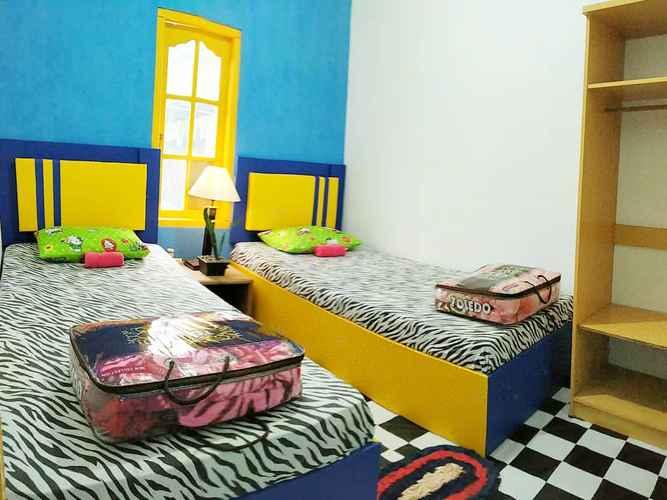 BEDROOM Sikembar Hostel Dieng
