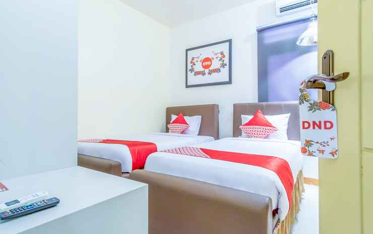 OYO 1249 Guest House 66 Medan - Deluxe Twin