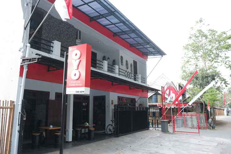 Oyo 1380 Velodrome Family House Malang Low Rates 2020 Traveloka
