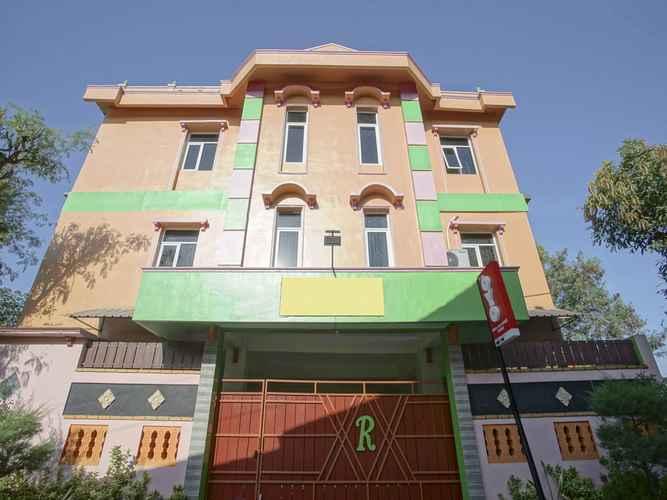 EXTERIOR_BUILDING OYO 1419 Rhona Guest House Syariah Near RSUD Kota Yogyakarta