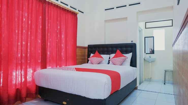 BEDROOM OYO 1190 Griya Soeratin Residence Syariah