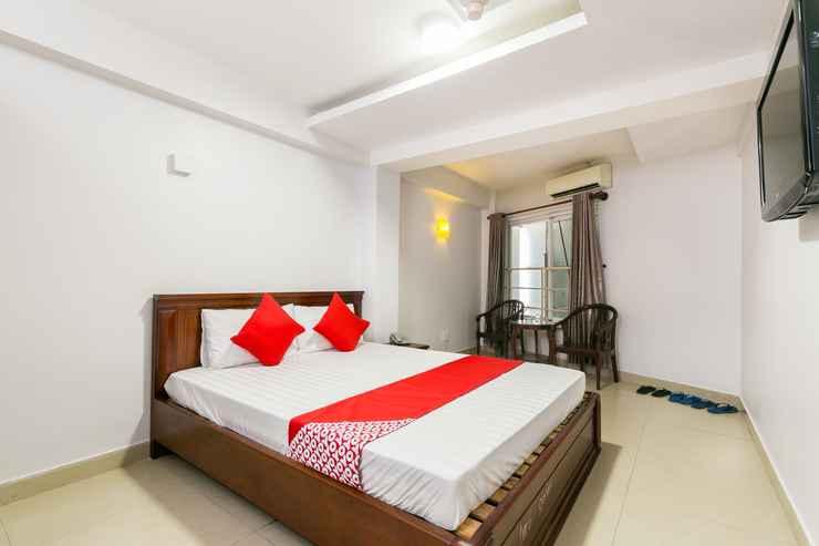 BEDROOM A Loc Hotel