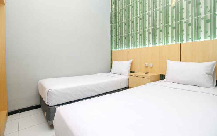 Sky Inn Syariah Colomadu 1 Solo Solo - Standard Twin Room Only