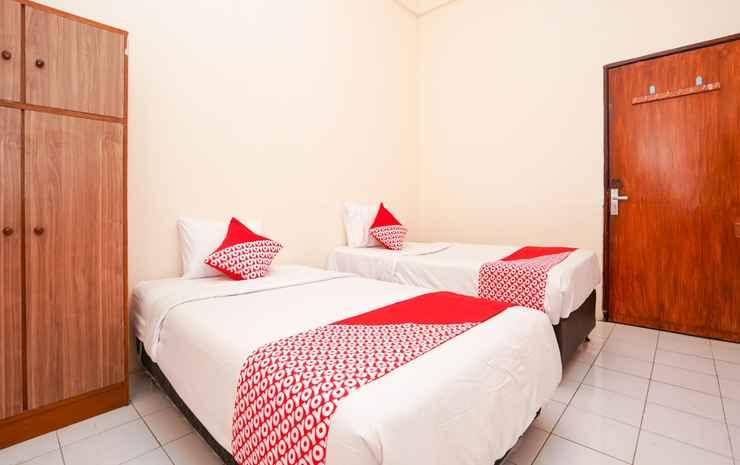 OYO 1374 Semampir Residence At Ahmad Yani Surabaya - Standard Twin Room