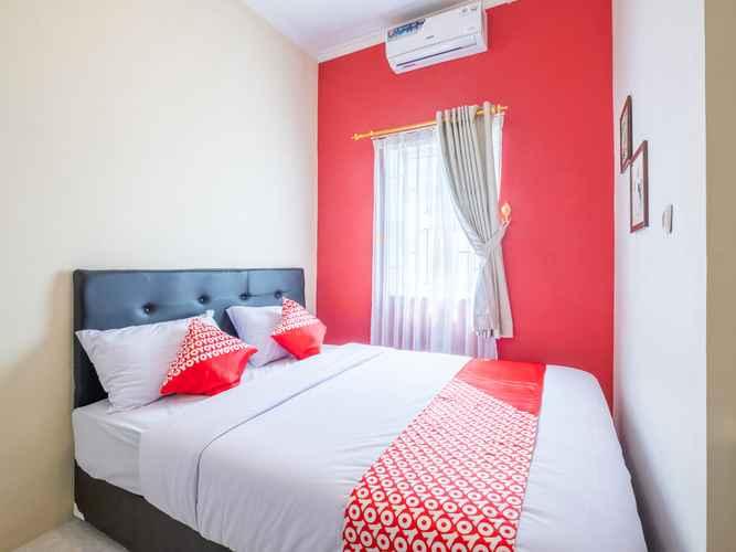 BEDROOM OYO 1370 Sudirman Guesthouse Syariah