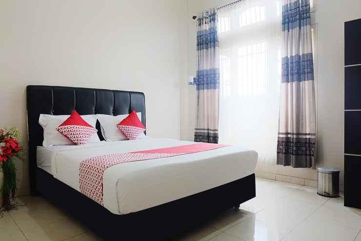 BEDROOM OYO 1426 Assyifa Hotel