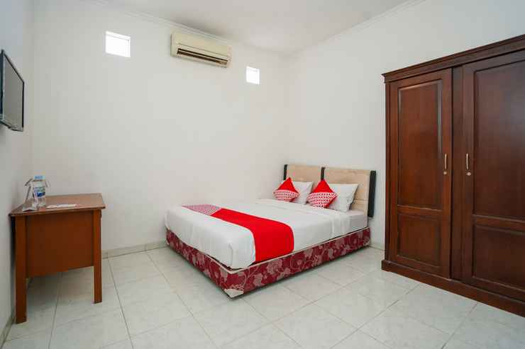 BEDROOM OYO 1281 Home Stay 83