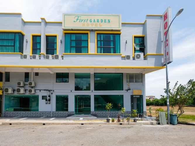 EXTERIOR_BUILDING First Garden Hotel