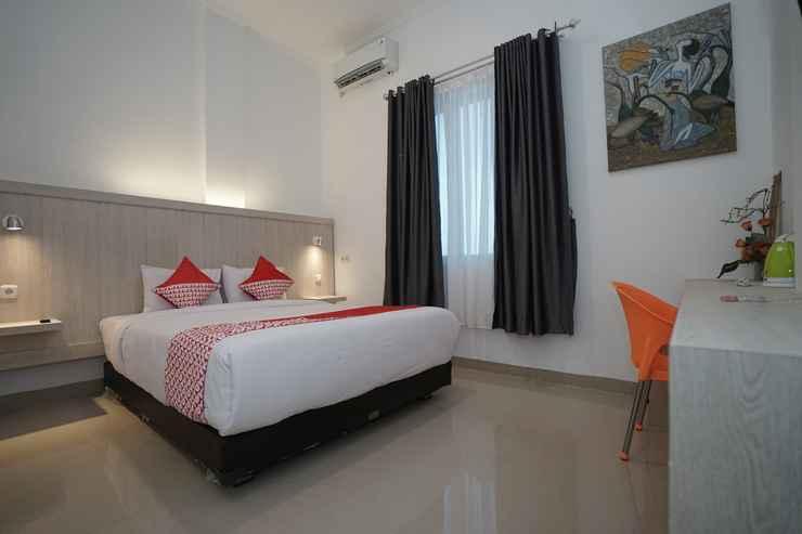 BEDROOM OYO 1299 Max To U Hotel