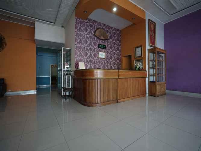LOBBY OYO 1441 Hotel Dempo Permai