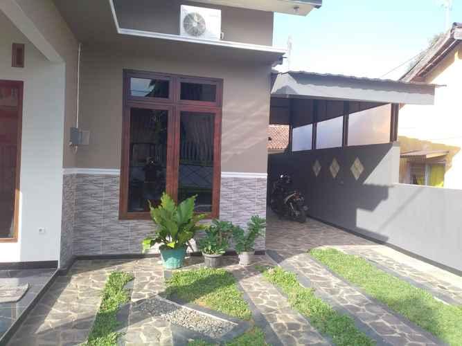 EXTERIOR_BUILDING Guest House Simply Homy Purbalingga