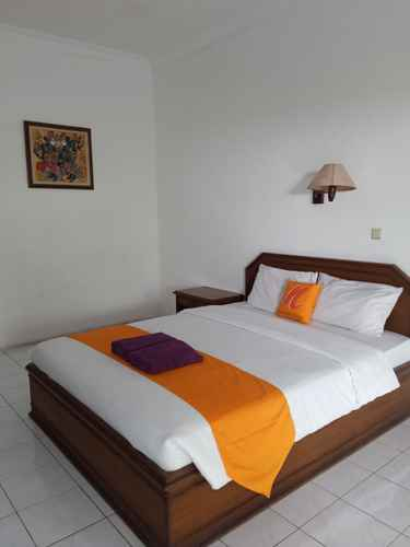 BEDROOM Hotel Sanashtri by SHM