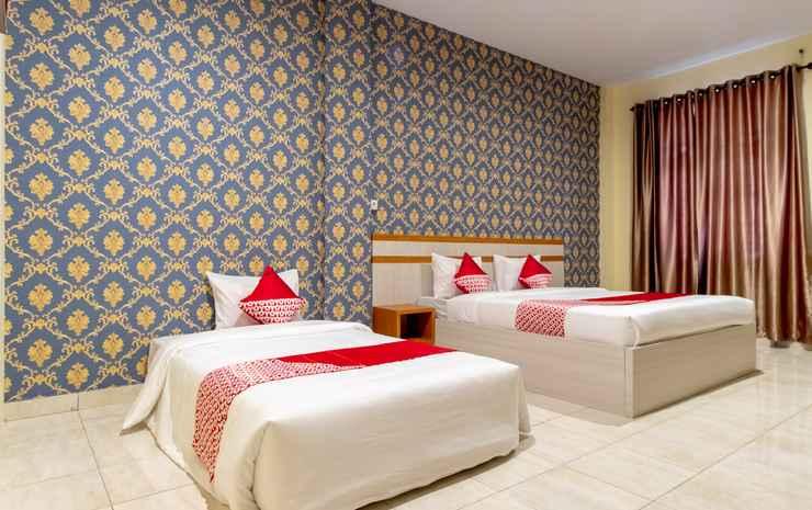 OYO 1400 Barat Residence Syariah Medan - Suite Triple Room