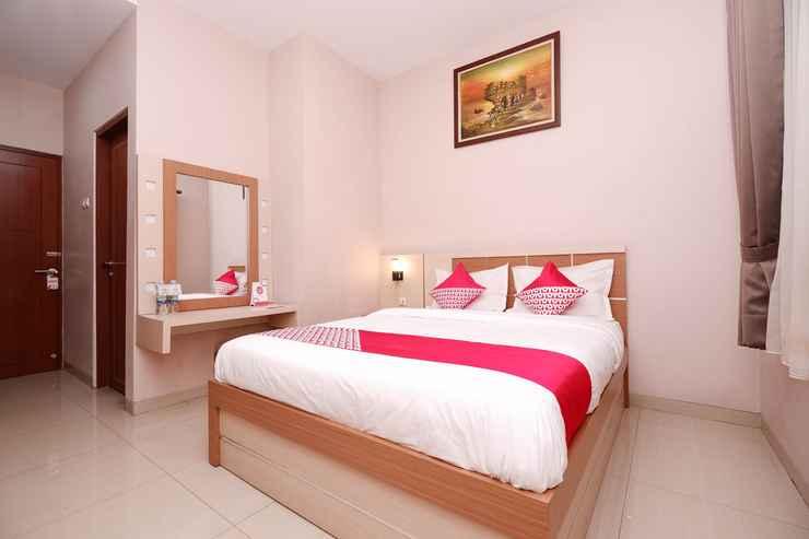 BEDROOM OYO 1532 Mawar Indah Hotel