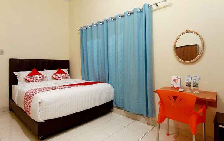 OYO 1332 Almonsari Residence Medan - Deluxe Double