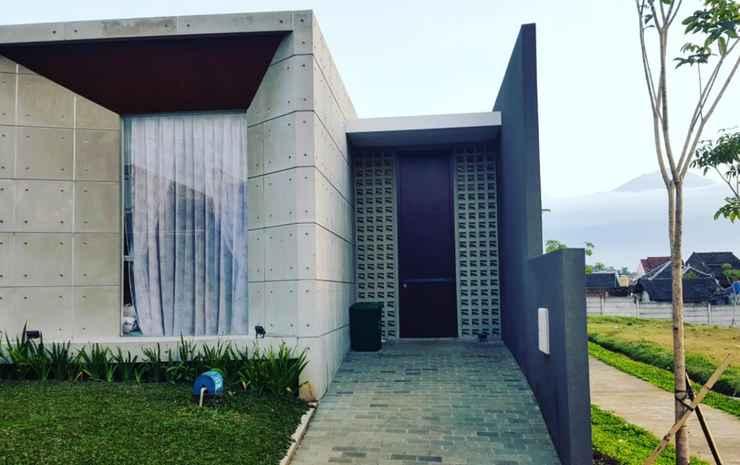 Villa Kotak Batu