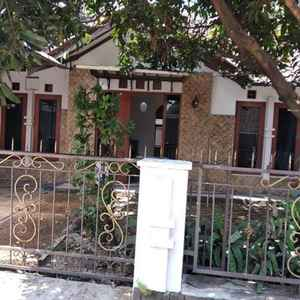 Sandila Boarding House