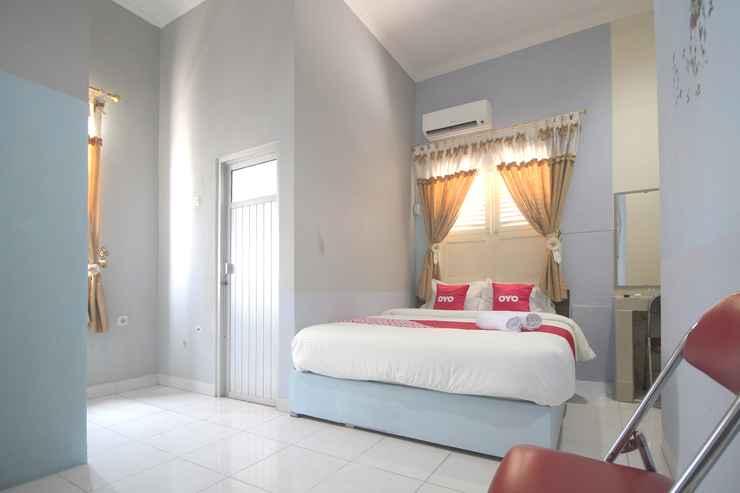 BEDROOM OYO 1448 Kartini Residence Syariah