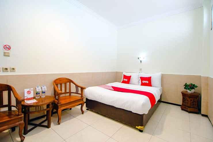 BEDROOM OYO 1683 Hotel Musafira Syariah