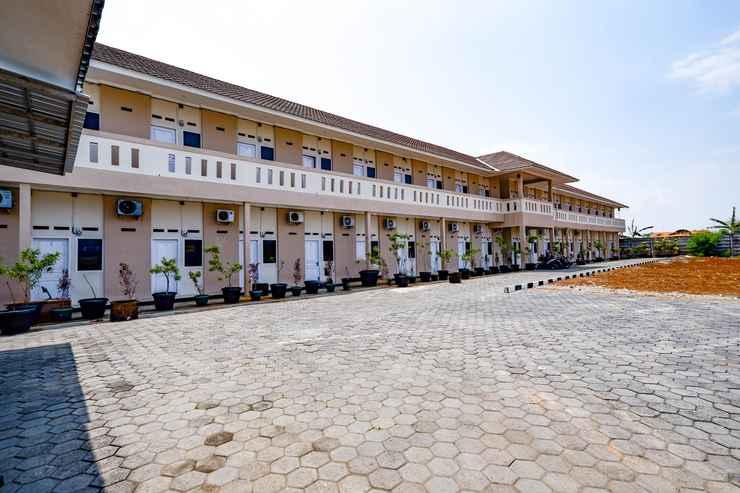 EXTERIOR_BUILDING SPOT ON 2027 Putri Guest House Syariah