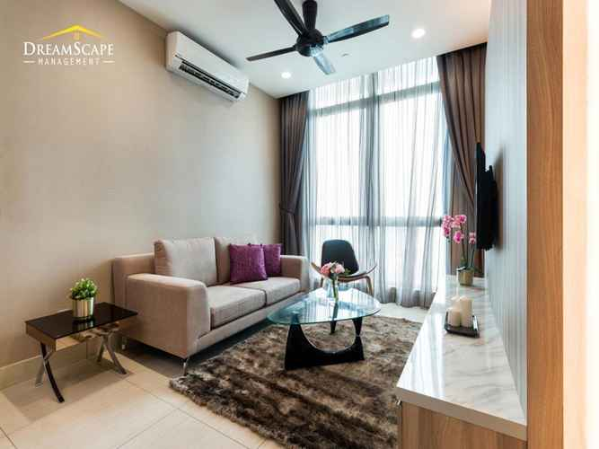 COMMON_SPACE Shaftsbury Apartment by DreamScape