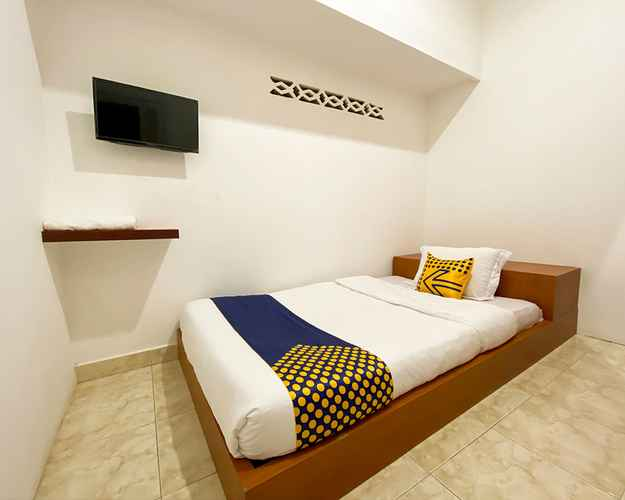 BEDROOM SPOT ON 2051 Sho Family Homestay & Resto