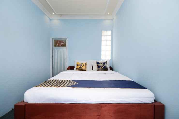 BEDROOM SPOT ON 2112 Homestay Lestari Dieng Syariah