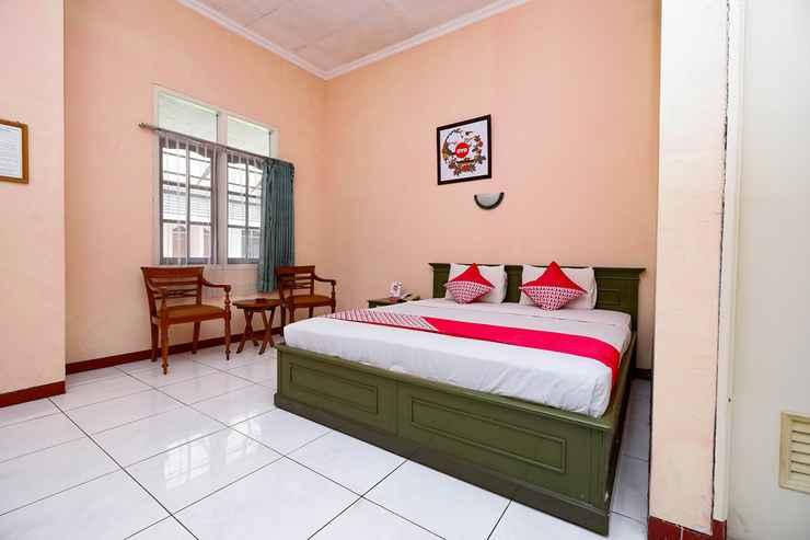 BEDROOM OYO 2495 Hotel Wijaya Purwokerto