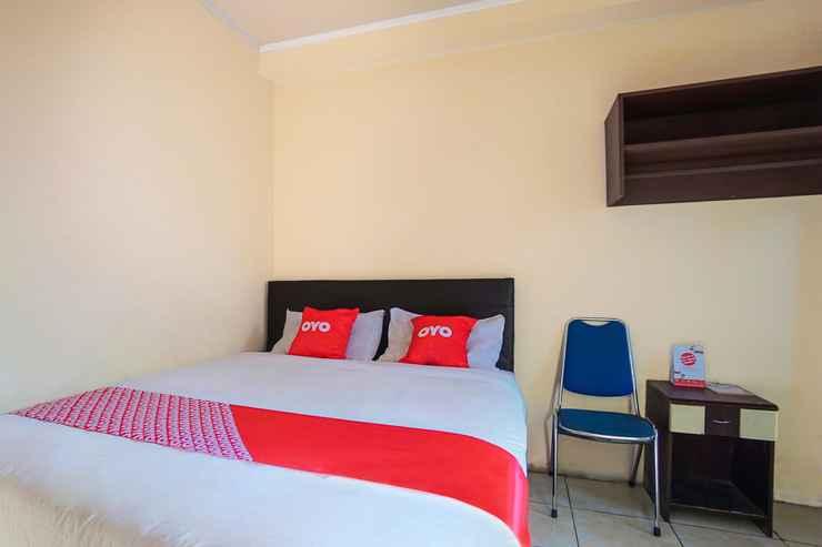 BEDROOM OYO 2475 Hotel Shangrila